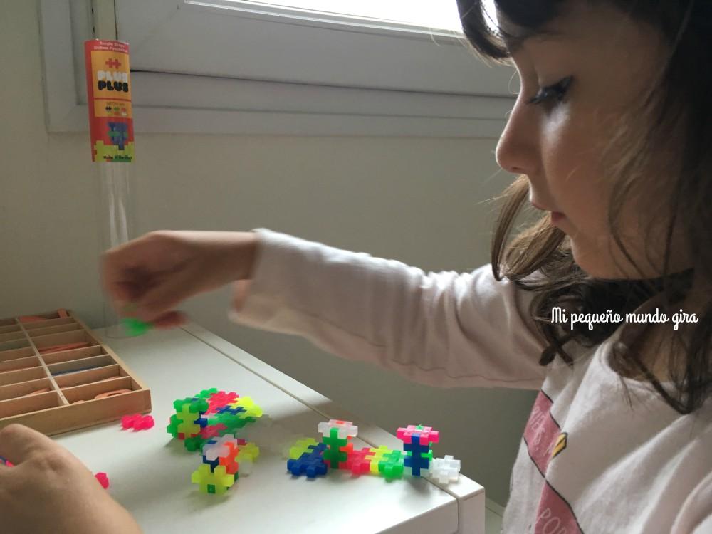 jugar-con-piezas-plus-plus