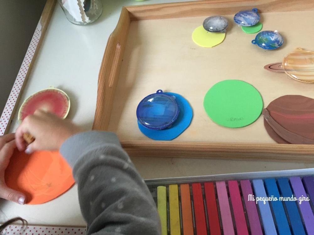 pintar-con-tizas-los-planetas