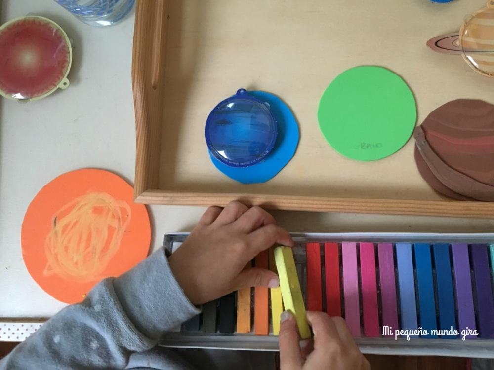 pintar la goma eva con tizas