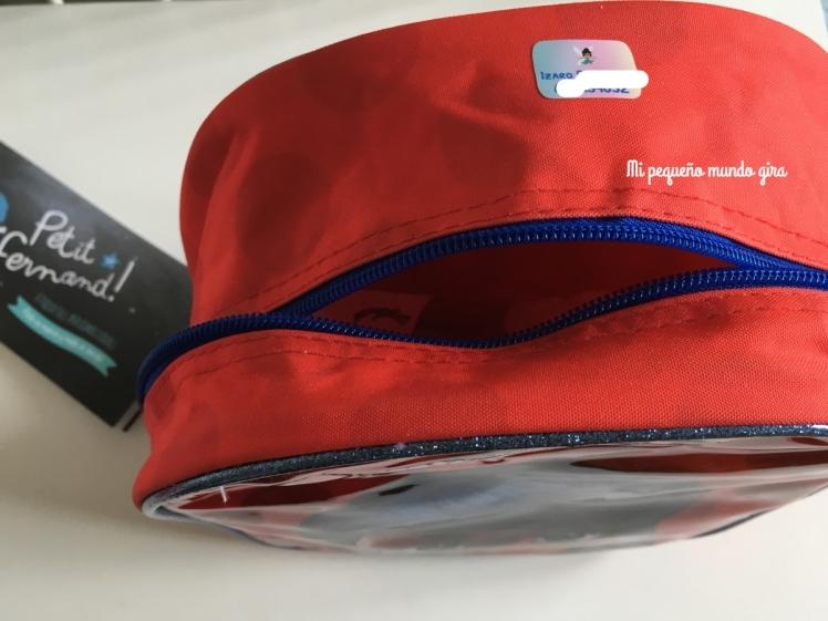 marcar-mochila-con-etiquetas-adhesivas-personalizadas