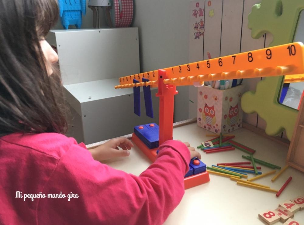 aprendiendo-matematicas-con-la-balanza-numerica-miniland